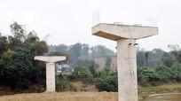 Cầu Khe Thần ngừng thi công