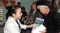 Báo Nghệ An, Tập đoàn Mường Thanh trao quà Tết cho Mẹ Việt Nam anh hùng và hộ nghèo