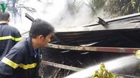 Cháy kho trữ xe máy cũ, thiệt hại hàng trăm triệu đồng