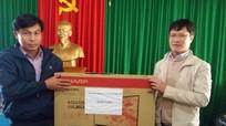 Sở GTVT Nghệ An tặng quà đồng bào nghèo xã Keng Đu