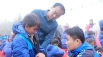 150 triệu đồng đến với học sinh và người nghèo xã rẻo cao Tây Sơn