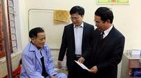 Trưởng ban Tổ chức Tỉnh ủy chúc Tết bệnh nhân nghèo tại huyện Nam Đàn