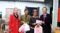 Bệnh viện Đa Khoa Cửa Đông trao quà Tết, sổ tiết kiệm cho người nghèo