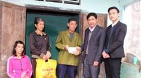 Bệnh viện Phục hồi Chức năng Nghệ An trao sổ tiết kiệm cho hộ nghèo