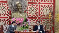 Tòa Giám mục Giáo phận Vinh chúc mừng năm mới UBND tỉnh Nghệ An