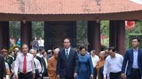 Chủ tịch nước cùng kiều bào dâng hương tưởng niệm các vua Hùng