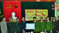 Ban Tuyên Giáo Tỉnh ủy tặng quà Tết tại Diễn Châu