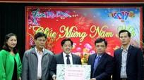 Phó Chủ tịch UBND tỉnh Huỳnh Thanh Điền chúc Tết các đơn vị đêm Giao thừa