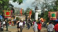 Thành tâm đi lễ đền, chùa ngày Mùng 1 Tết