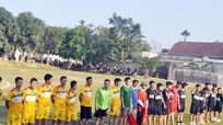 Hàng ngàn người dân theo dõi giải bóng đá ở xã miền núi