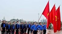 Tỉnh đoàn Nghệ An dâng hoa tưởng niệm Chủ tịch Hồ Chí Minh