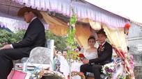 Nghệ An: Độc đáo màn rước dâu bằng xe ngựa