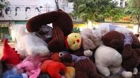 Cửa hàng bán gấu bông phát hỏa trước ngày Valentine