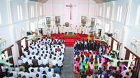 Giáo dân bị kích động tụ tập đi khởi kiện vào ngày Valentine
