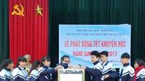 Trường THPT Nghi Lộc 5 ủng hộ 50 triệu đồng Tết khuyến học