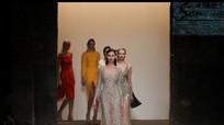 Chiêm ngưỡng bộ sưu tập lụa Việt lên sàn diễn New York Fashion Week 2017