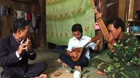 'Ban nhạc siêu đẳng' của gia đình nông dân người Thái ở Nghệ An
