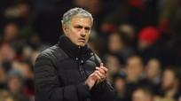 Ban lãnh đạo M.U tính chuyện gia hạn hợp đồng với Mourinho