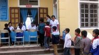 Khám sàng lọc cho 200 trẻ ở xã có học sinh tử vong vì suy thận