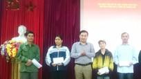 Thành phố Vinh hỗ trợ vốn sinh kế cho người khuyết tật