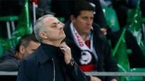 Mourinho: 'Man Utd bốc trúng lá thăm xấu'