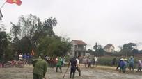 Huyện đoàn Hưng Nguyên hỗ trợ  làm mới 6 sân bóng chuyền cho người dân vùng giáo