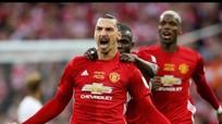 Ibrahimovic rực sáng, Man Utd chinh phục danh hiệu đầu tiên