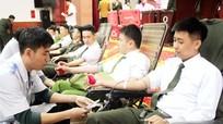 Hơn 350 đơn vị máu từ Ngày hội 'Giọt máu kho báu tình người'