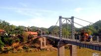 Nghệ An: Tử vong do đi xe máy rơi trên cầu xuống