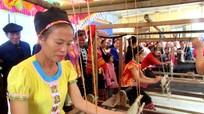 Con Cuông: Bản Thái đầu tiên được công nhận làng nghề dệt thổ cẩm