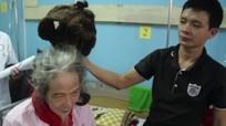 'Dị nhân' Quảng Bình 32 năm không cắt tóc