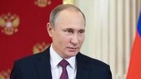 Putin: 'Làm thế nào mà phụ nữ vẹn toàn đến vậy'