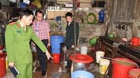 Phát hiện cơ sở sản xuất đậu phụ bẩn kinh hoàng cạnh ga Vinh