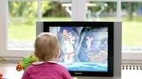 4 chiêu đơn giản để con ngừng dán mắt vào tivi