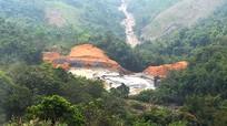 Cận cảnh đập bùn thải khổng lồ bị vỡ ở Nghệ An