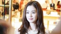 Kim Tae Hee gây hỗn loạn giao thông khi xuất hiện ở Malaysia sau đám cưới