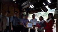 Hỗ trợ gia đình bị cháy nhà ở Quỳ Châu