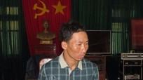 Người đàn ông dân tộc Mông vác 2 tỷ đồng trèo rừng vượt biên