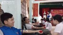 Hơn 1.000 người tham gia hiến máu ở Diễn Châu