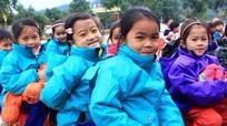 Đình chỉ cô giáo tiểu học dùng thước đánh 23 học sinh