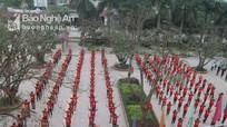 500 học sinh đồng diễn dân vũ mừng sinh nhật Đoàn