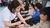 1000 sinh viên Đại học Vinh tham gia hiến máu tình nguyện