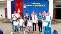 Yên Thành: Tặng xe đạp cho học sinh nghèo học giỏi
