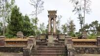 Ngôi mộ chung của hai nhà yêu nước ở Huế