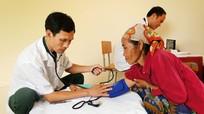 500 người được xét nghiệm HIV, khám và cấp thuốc miễn phí