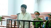 Tống tiền người xây dựng trái phép, phóng viên người Nghệ lãnh 15 tháng tù