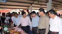 Chủ tịch UBND tỉnh trực tiếp kiểm tra vệ sinh thực phẩm ở chợ, nhà hàng, bếp ăn