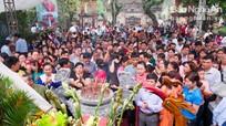 Cả nghìn người đổ về Lễ giỗ Tổ Hùng Vương ở đền Hồng Sơn