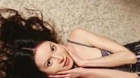 Người mẫu Nga chết đói vì chán ăn, mẹ vứt xác ra biển