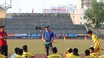 HLV Ngô Quang Trường và U15 SLNA khởi đầu suôn sẻ